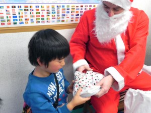 Rihito getting a present from Santa!